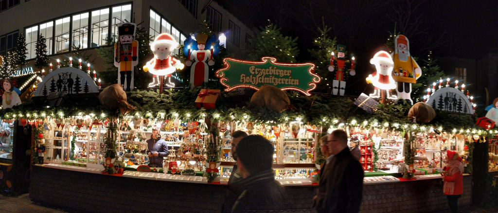 One of the many stalls at Stuttgarter Weihnachtsmarkt