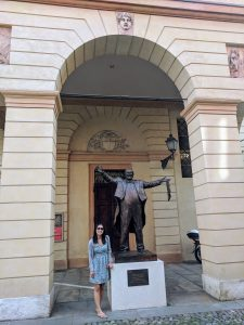 Pavarotti statue at Teatro Comunale in Modena